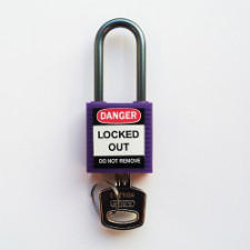 Brady Compact safe padlock 38MM SHA KD PURPLE 6PC